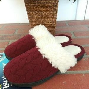 isotoner Shoes - Istoner Women's Burgundy White Faux Fur Slipper M